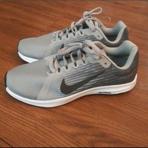 Brand New Gray Nike Shoes- 8.